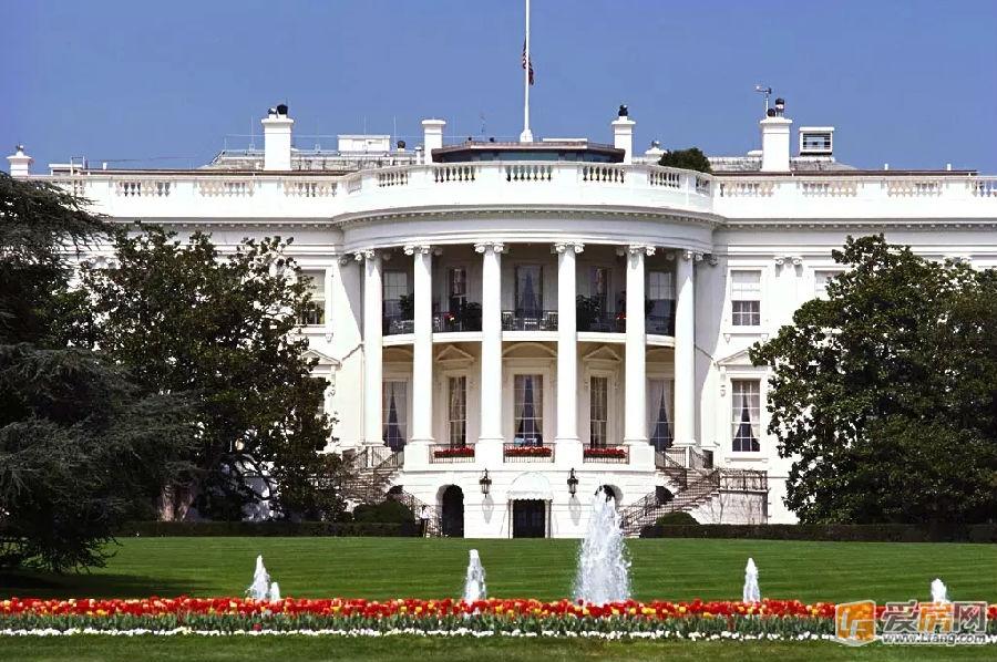 白宫闹鬼_川普:我不想住白宫!